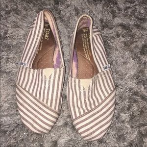BROWN STRIPES TOMS GOOD CONDITION SIZE 6